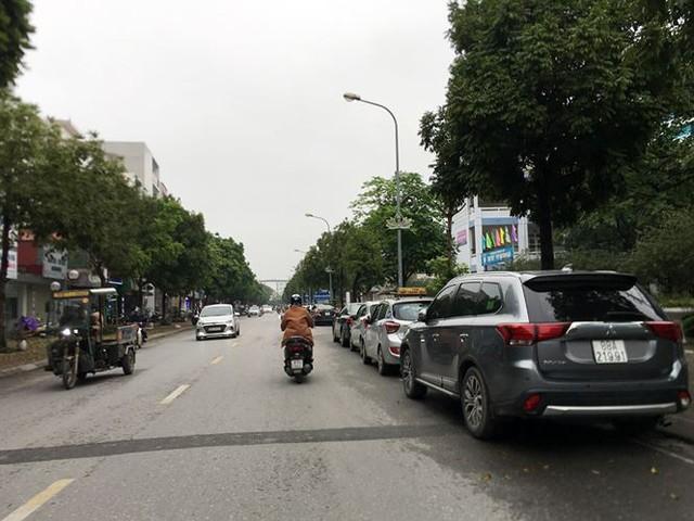 Hà Nội: Quận Long Biên tốn kém lắp camera để làm... màu? - Ảnh 9.