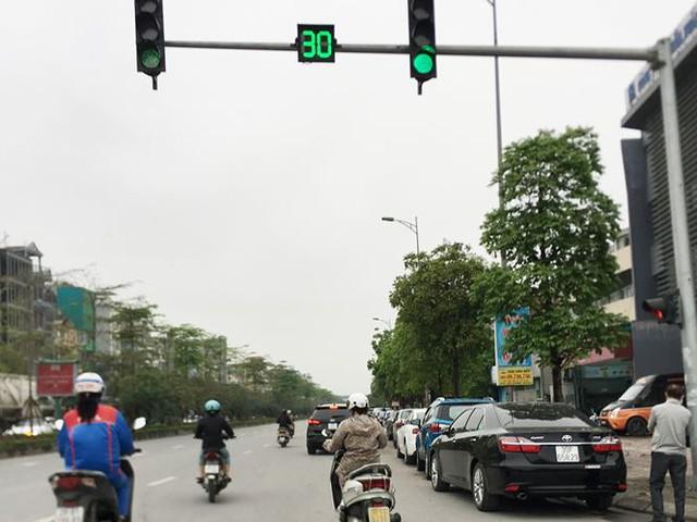 Hà Nội: Quận Long Biên tốn kém lắp camera để làm... màu? - Ảnh 10.