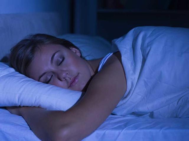Ngừng dùng smartphone trước khi ngủ, tôi mới rùng mình nhận ra nó đã hủy hoại cuộc sống đến mức nào: Hãy đặt điện thoại xuống và cứu lấy bản thân! - Ảnh 2.