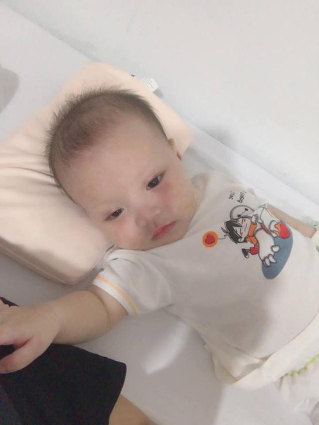 Con đột nhiên bị sởi, di chứng sang phổi, rồi suy tim, người mẹ Hà Nội đau đớn nhận ra có thể tất cả mọi chuyện bắt nguồn từ... một nụ hôn - Ảnh 3.