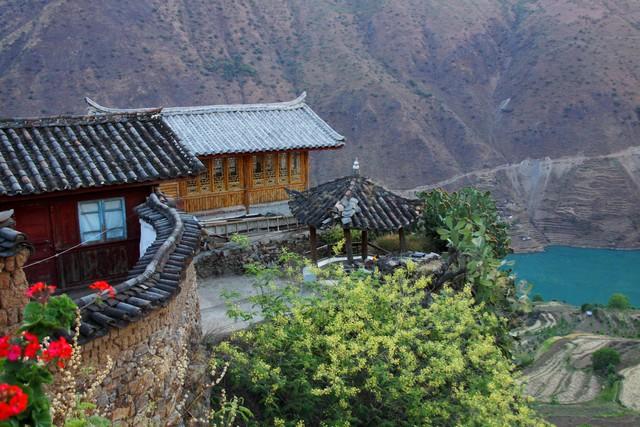 Lặng ngắm ngôi làng cổ yên bình, rất ít người biết đến trên vách đá khổng lồ tại Trung Quốc: Một lần tới Bảo Sơn, cả đời ấn tượng khó quên!  - Ảnh 11.