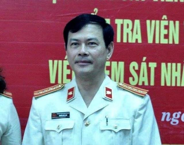 Viện KSND Q.4 đã tiếp nhận quyết định khởi tố vụ án, khởi tố bị can đối với ông Nguyễn Hữu Linh - Ảnh 1.
