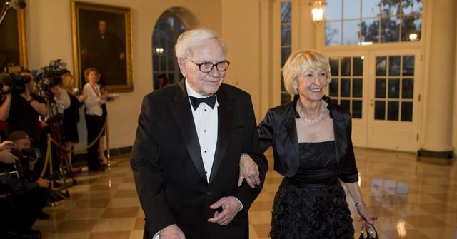 """Warren Buffett chia sẻ quyết định sáng suốt nhất mà ông và nhiều người thành công khác từng làm khi còn trẻ: Ảnh hưởng của nó sẽ theo suốt cuộc đời bạn, chỉ cần """"sai 1 ly"""" sẽ """"đi 1 dặm"""" - Ảnh 2."""