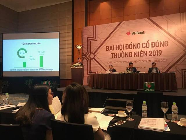 ĐHCĐ VPBank: Kiên định với tín dụng tiêu dùng, mục tiêu lãi 9.500 tỷ và không chia cổ tức - Ảnh 1.