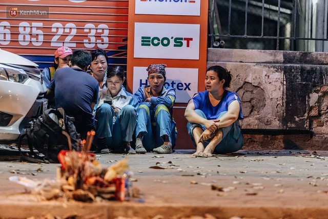 Sự ra đi của nữ công nhân môi trường và nỗi ám ảnh người ở lại: Những phận đời phu rác bám đường phố Hà Nội mưu sinh - Ảnh 2.