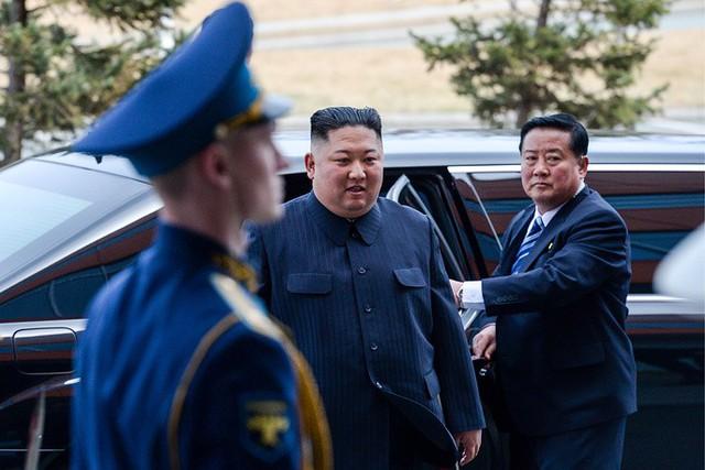 Những hình ảnh ấn tượng nhất tại Hội nghị thượng đỉnh Kim-Putin lần đầu tiên - Ảnh 1.