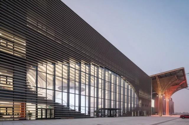Choáng ngợp với vẻ đẹp của thư viện quốc dân lớn nhất Trung Quốc: Hoành tráng đến mức nhìn không thua gì phim trường! - Ảnh 12.