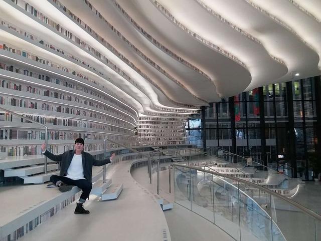 Choáng ngợp với vẻ đẹp của thư viện quốc dân lớn nhất Trung Quốc: Hoành tráng đến mức nhìn không thua gì phim trường! - Ảnh 14.