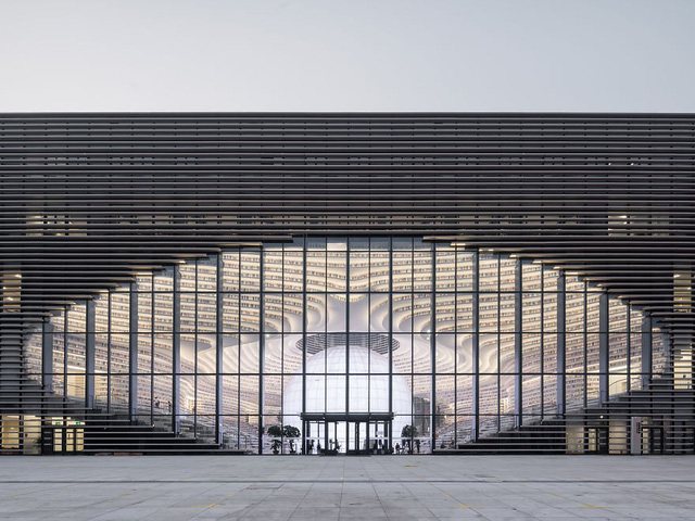 Choáng ngợp với vẻ đẹp của thư viện quốc dân lớn nhất Trung Quốc: Hoành tráng đến mức nhìn không thua gì phim trường! - Ảnh 5.