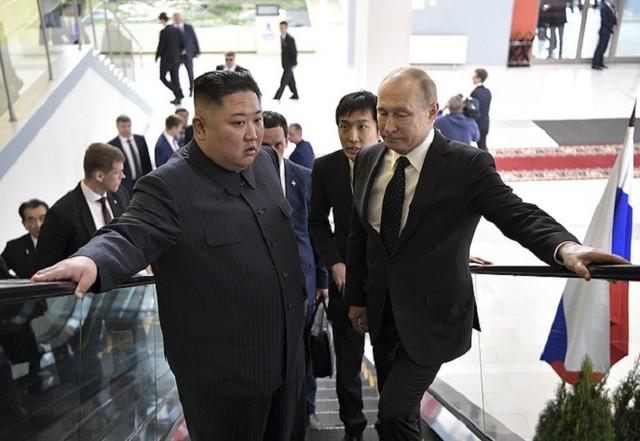 Những hình ảnh ấn tượng nhất tại Hội nghị thượng đỉnh Kim-Putin lần đầu tiên - Ảnh 5.
