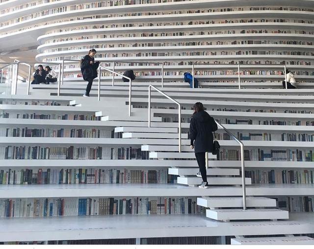 Choáng ngợp với vẻ đẹp của thư viện quốc dân lớn nhất Trung Quốc: Hoành tráng đến mức nhìn không thua gì phim trường! - Ảnh 8.