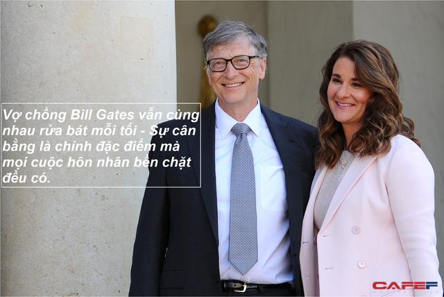 Kết hôn 25 năm vẫn cùng nhau rửa bát mỗi tối, bí quyết giữ lửa hôn nhân của vợ chồng tỷ phú Bill Gates cực đơn giản, người bạn đời tinh tế một chút đều có thể làm được - Ảnh 1.