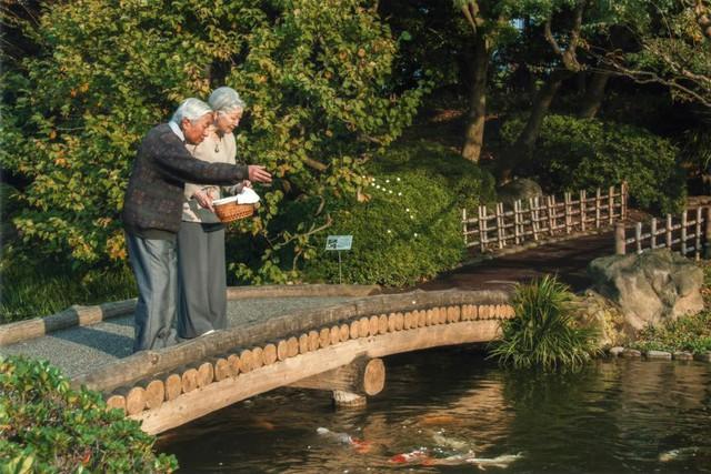 Hành trình 85 năm đi cùng nước Nhật của Nhật hoàng Akihito - Ảnh 23.