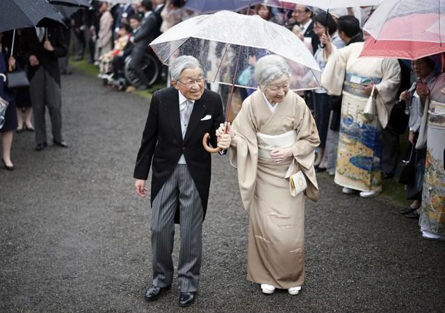 Hành trình 85 năm đi cùng nước Nhật của Nhật hoàng Akihito - Ảnh 26.