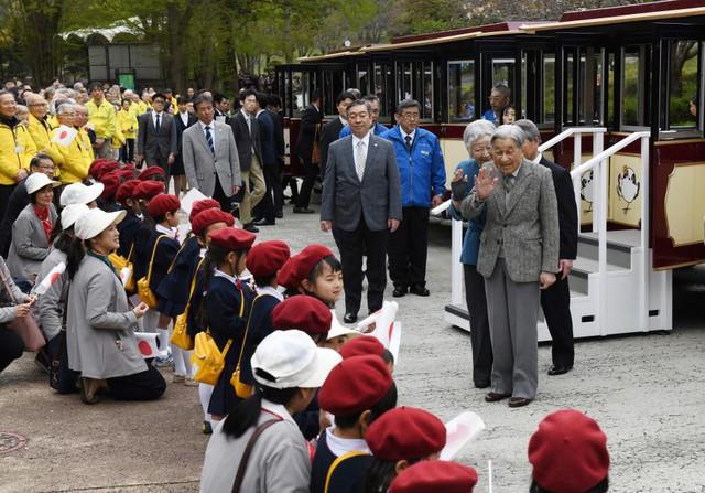 Hành trình 85 năm đi cùng nước Nhật của Nhật hoàng Akihito - Ảnh 27.