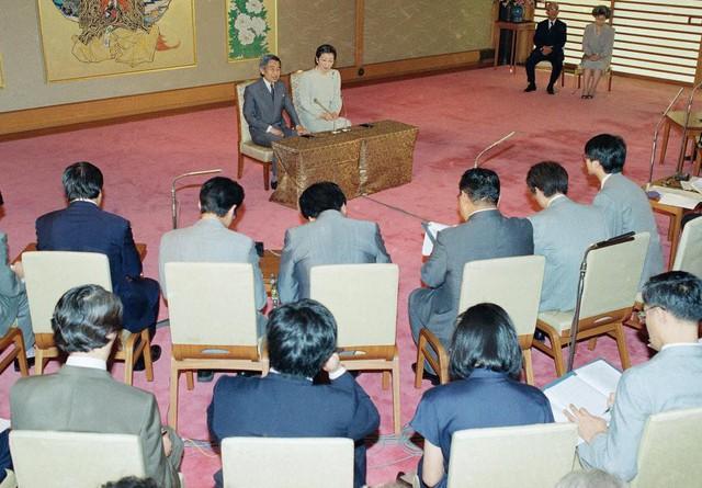 Hành trình 85 năm đi cùng nước Nhật của Nhật hoàng Akihito - Ảnh 15.