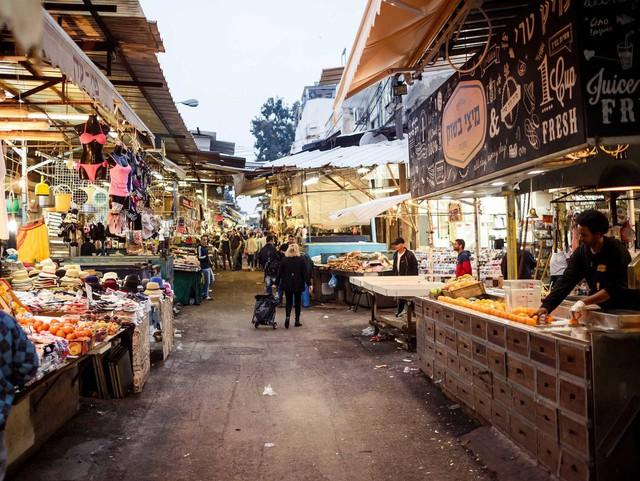 Cuộc sống của giới siêu giàu ở nơi đắt đỏ bậc nhất ở Trung Đông - Ảnh 3.