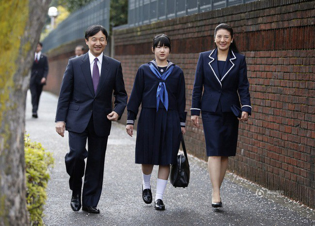 Công chúa Aiko - con gái duy nhất của Thái tử Naruhito: Từ đứa bé xinh xắn từng bị bắt nạt đến thiếu nữ tài giỏi sống tự lập - Ảnh 9.