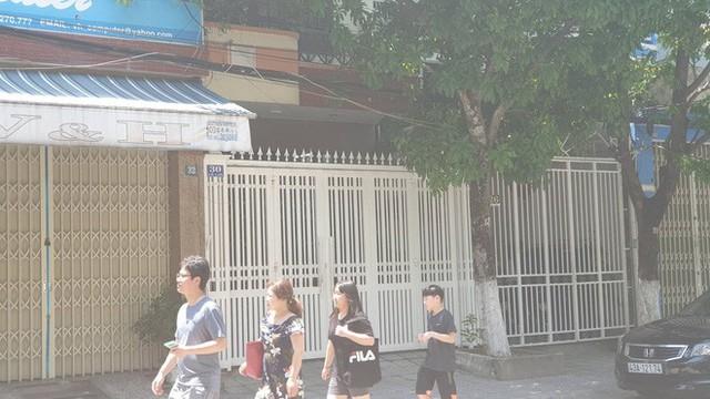 Hàng xóm nói về nguyên Phó Viện trưởng VKS ép hôn bé gái trong thang máy: Ngày thường thì đàng hoàng - Ảnh 1.