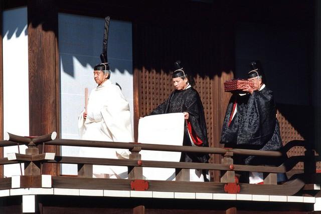 Hoàng hậu phải đi sau 2 bước, nói ít hơn phu quân nửa lời và những quy tắc nghiêm ngặt trong hoàng gia Nhật - Ảnh 2.