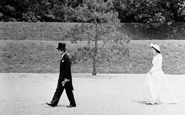 Hoàng hậu phải đi sau 2 bước, nói ít hơn phu quân nửa lời và những quy tắc nghiêm ngặt trong hoàng gia Nhật - Ảnh 1.