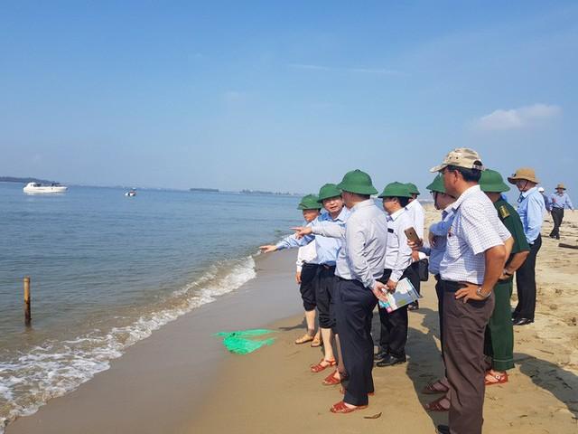 Cận cảnh hòn đảo lạ mới xuất hiện ngoài biển khiến chính quyền Quảng Nam lúng túng - Ảnh 8.