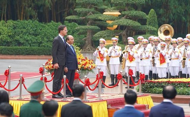 Toàn cảnh lễ đón Thủ tướng Hà Lan Mar Rutte thăm Việt Nam - Ảnh 2.