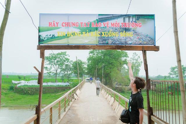 Chuyện đau đầu của Thử thách dọn rác: Bục mặt 4 tiếng dọn sạch chân cầu Xuân Lai, đến chiều người dân lại... vứt rác - Ảnh 10.