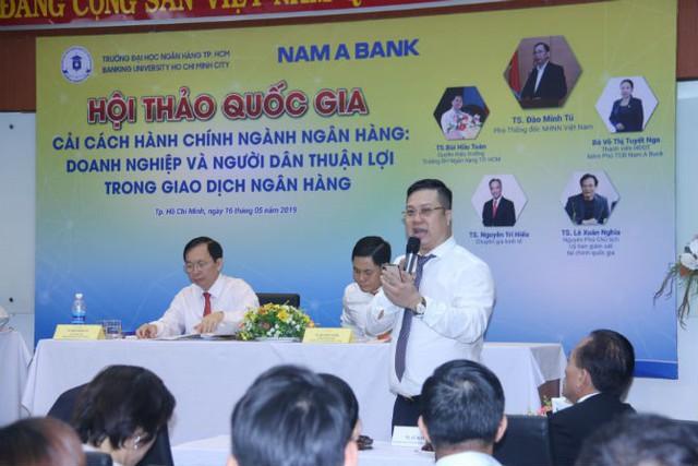 Dịch vụ ngân hàng: Nhiều tiện ích chưa thực sự tiện ích - Ảnh 1.