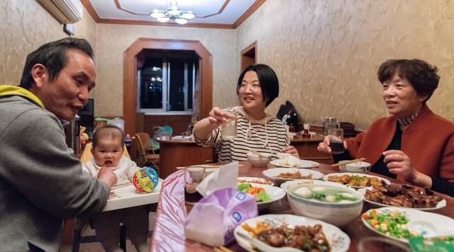Giấc mộng Trung Hoa rẽ ngang: Khi kinh tế tăng trưởng quá nóng tạo ra áp lực ngay từ những điều nhỏ nhặt của cuộc sống thường ngày - Ảnh 2.