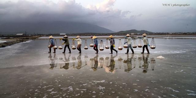 Ngành muối khốn khổ vì hàng nhập khẩu và biến đổi khí hậu - Ảnh 2.
