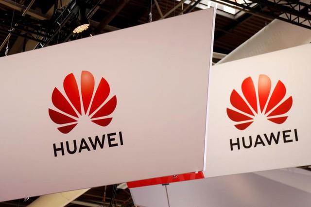 Mỹ giảm bớt một số lệnh cấm để Huawei duy trì hoạt động - Ảnh 1.
