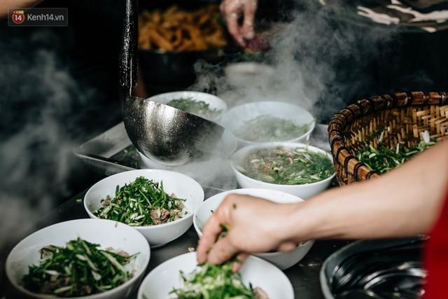 Thêm một lần vinh quang gọi tên Phở Việt, lọt hẳn top món ăn đựng trong bát ngon nhất thế giới - Ảnh 1.