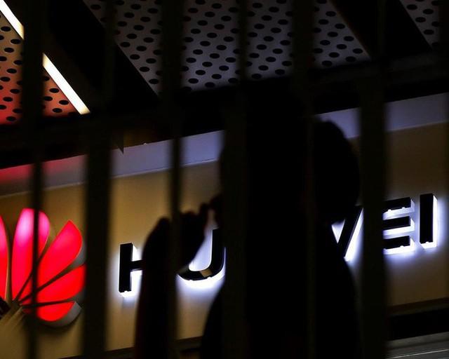 Chuyên gia nhận định Samsung sẽ lãi thêm ít nhất 1 tỷ USD nhờ thảm họa Huawei, nhưng không cẩn thận là cũng ngã đau - Ảnh 1.