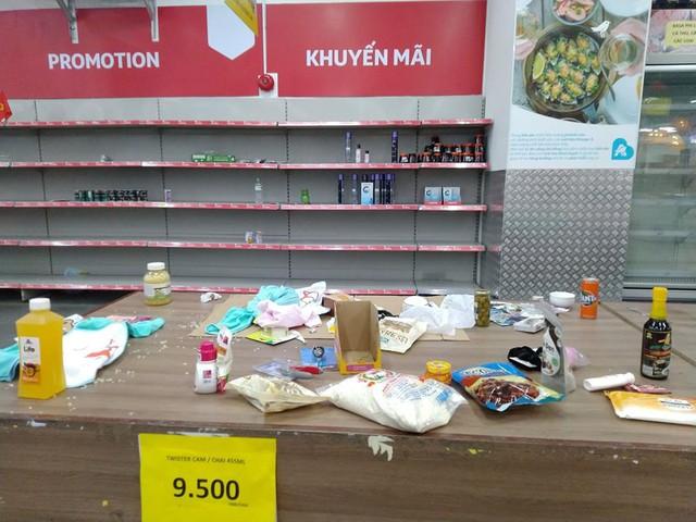 Siêu thị Auchan trống trơn sau 6 ngày xả hàng giảm giá - Ảnh 5.