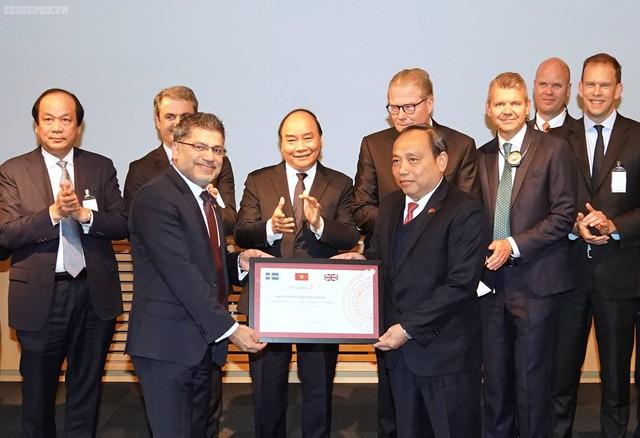 Hãng dược Thụy Điển công bố đầu tư 220 triệu USD vào Việt Nam - Ảnh 1.