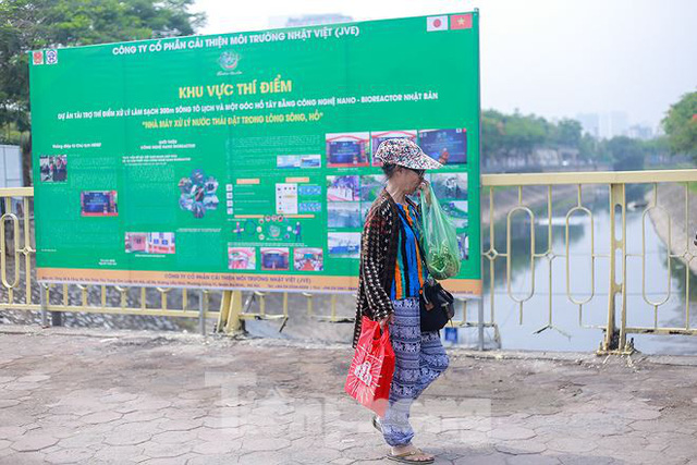 Nước sông Tô Lịch ra sao sau 10 ngày thí điểm bảo bối của Nhật? - Ảnh 12.