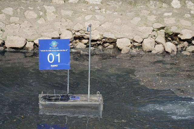 Người dân thư thả ngồi câu cá bên bờ sông Tô Lịch - Ảnh 4.