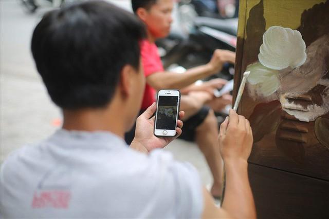 Hàng loạt bốt điện ở Hà Nội nở hoa - Ảnh 2.