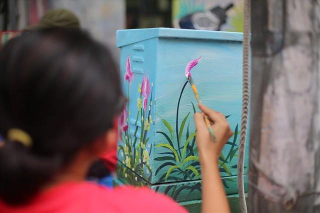 Hàng loạt bốt điện ở Hà Nội nở hoa - Ảnh 12.
