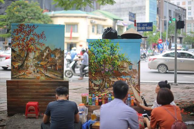 Hàng loạt bốt điện ở Hà Nội nở hoa - Ảnh 4.