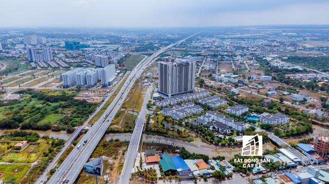 TPHCM: Ăn theo tuyến đường 800 tỷ đồng sắp thông xe, nhiều dự án tăng giá - Ảnh 1.