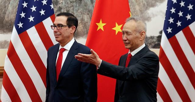 Bloomberg: Không biết đến khi nào thì Tổng thống Donald Trump mới thấm thía bài học nói trước bước không qua? - Ảnh 1.