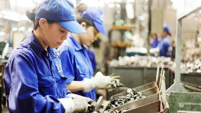Tăng tuổi nghỉ hưu nhanh dễ tạo ra cú sốc trong thị trường lao động - Ảnh 1.