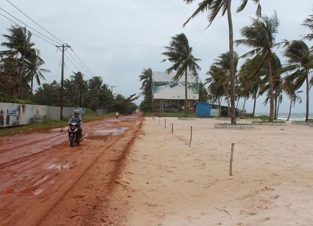 Phú Quốc: Tăng cường quản lý đất đai, xử lý xây dựng trái phép - Ảnh 1.