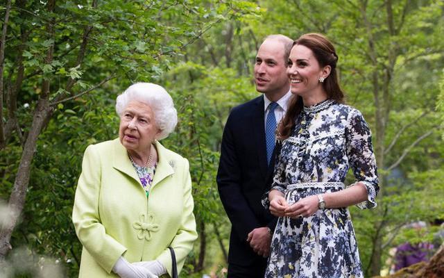 Tiết lộ mới gây sốc về thừa kế ngai vàng nước Anh: Công nương Kate đánh bật mẹ chồng Camilla chuẩn bị lên ngôi Hoàng hậu - Ảnh 2.