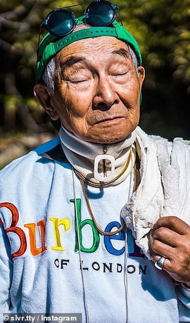 Được cháu trai hậu thuẫn, ông giáo 84 tuổi trở thành ngôi sao thời trang với biệt danh cụ ông sành điệu nhất Nhật Bản, đốn tim hàng trăm ngàn người - Ảnh 7.