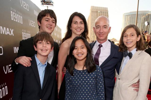 4 người con của tỷ phú Amazon giờ ra sao sau khi bố mẹ ly hôn, cha có tình yêu mới? - Ảnh 1.