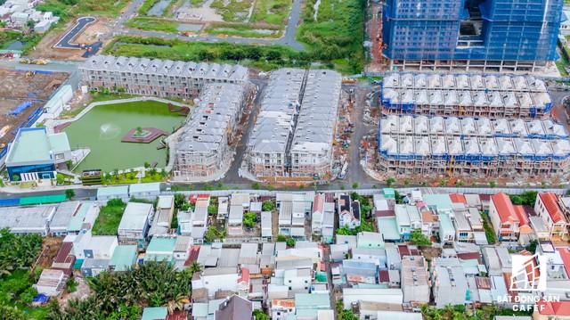 Vụ 110 căn biệt thự xây trái phép ở Quận 7 (TPHCM): Chủ đầu tư nói dự án được miễn giấy phép xây dựng - Ảnh 4.