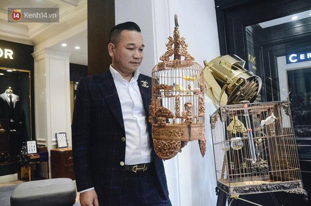 Gặp ông trùm thời trang với bộ sưu tập chim khủng 10 tỷ đồng: Chim nằm điều hòa, có camera an ninh và hai nhân viên chăm sóc đặc biệt - Ảnh 13.